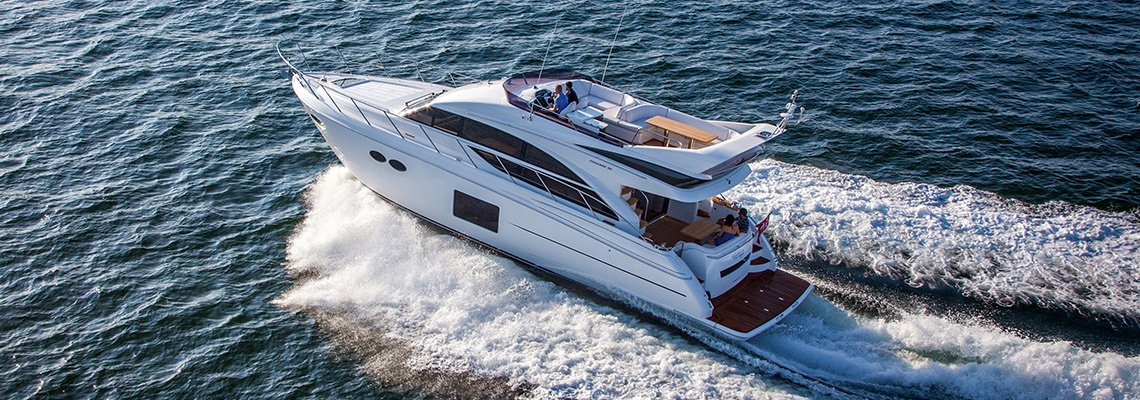 Side-power stabilisers on yacht contributing to a smooth ride